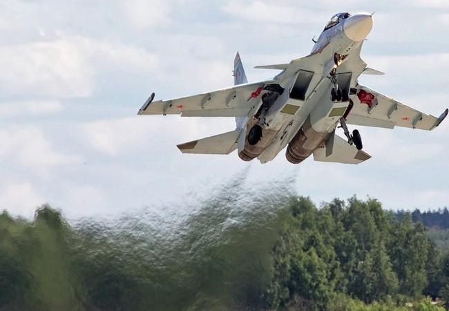 Không kích Syria: một ngày bình thường ở căn cứ Hmeymin Syria