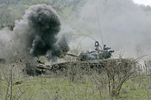 Cuộc đấu giữa tăng T-72 quân đội Syria và T-55 của chiến binh IS