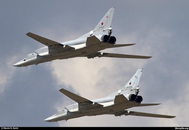 Chùm video không quân Nga triệt đường sống của IS