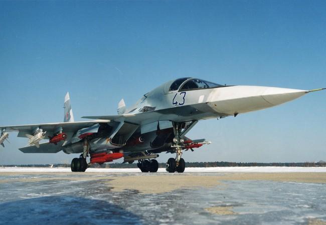 """Video: Su -34 lần đầu tiên xuất kích với tên lửa """"không đối không"""""""