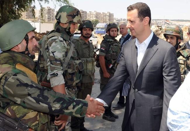 Video hiếm: Tổng thống  Bashar al-Assad thăm trận địa Jobar Damascus đầu năm 2015