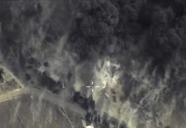 Bom FAB-500 không quân Nga xé nát trận địa kẻ thù