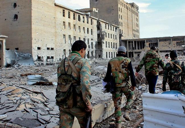 Tiếp tục tấn công, quân đội Syria tiêu diệt hàng chục tay súng IS