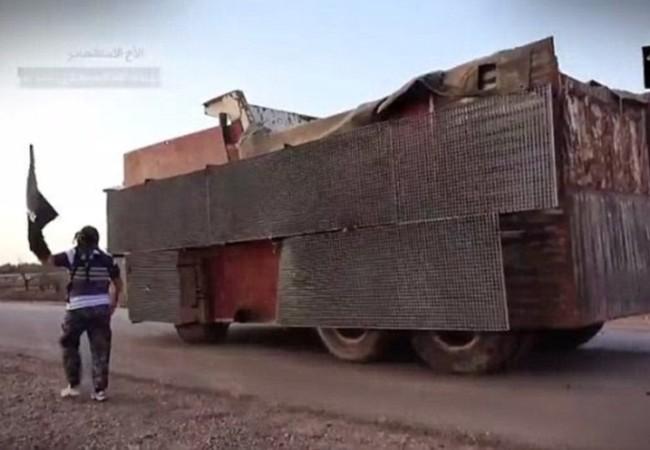 Một chiếc bom xe VBIED của IS, có thể chứa đến hàng trăm kg thuốc nổ và nhiều nhiên liệu