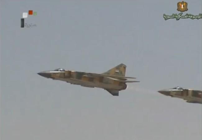Không quân Syria hủy diệt một đoàn xe của lực lượng Hồi giáo cực đoan ở Idlib-Aleppo