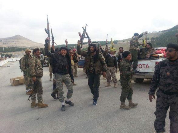 Phản pháo Thổ Nhĩ Kỳ, YPG tấn công thành phố nhỏ Tal Rifa'at gần Azaz.