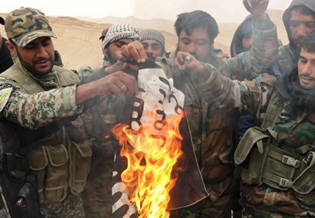 Quân đội Syria tấn công ở miền Đông Hama, diệt hàng chục tay súng IS, 3 xe bị phá hủy