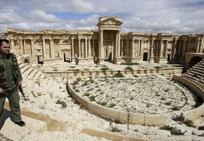 Cận cảnh thành phố Palmyra sau khi giải phóng (ảnh + video)