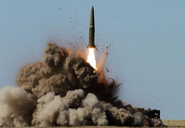 Video: Iskander – M tiêu diệt mục tiêu trên khoảng cách 200 km