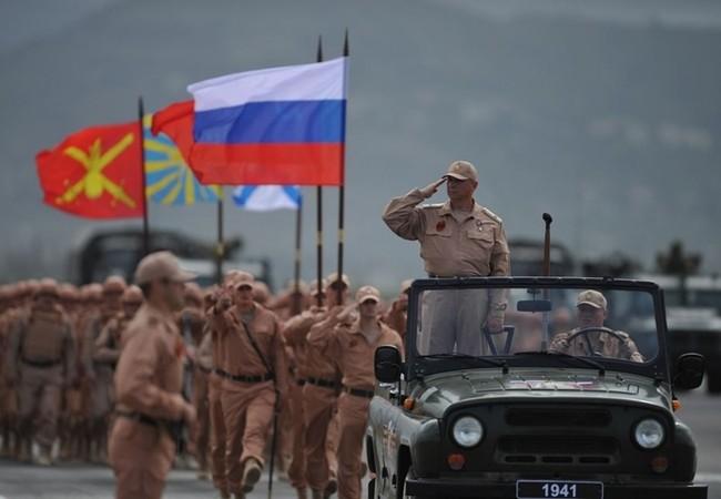 Quân đội Nga tổ chức diễu binh mừng ngày Chiến thắng ở Hmeymim