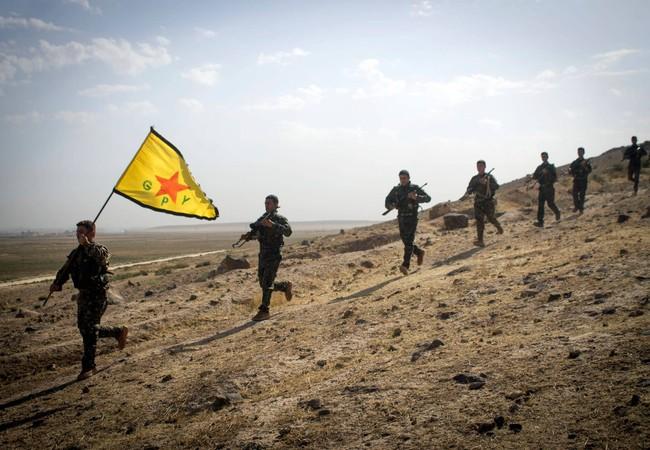 Quân đội Syria tự do (FSA) hành hình hai nhà đàm phán hòa bình người Kurd (Video)