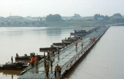 Video:Cận cảnh công binh Việt Nam, Mỹ, Nga triển khai cầu dã chiến