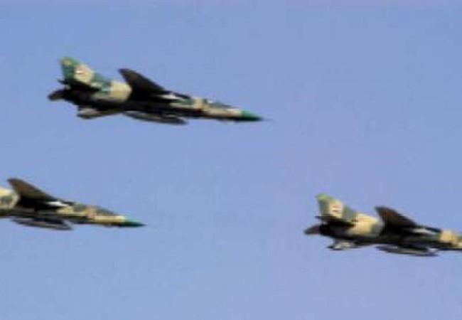 Không quân Syria dồn dập không kích Aleppo