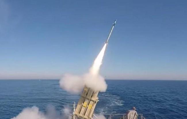 Video : Israel thử nhiệm thành công Vòm sắt trên biển