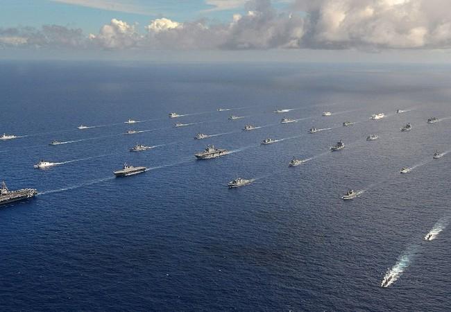 Đội hình 40 chiến hạm nổi và tàu ngầm trên Thái Bình Dương
