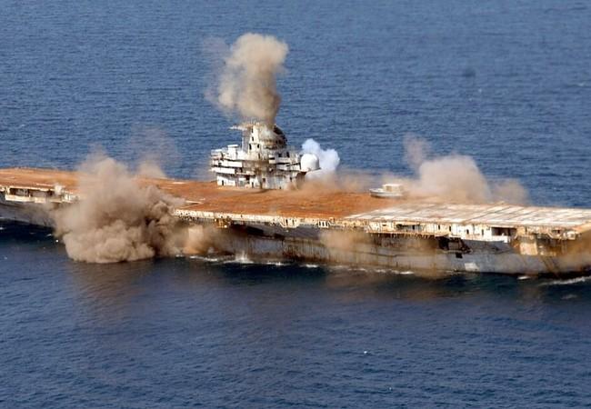 USS Oriskany (CV / CVA-34) bị đánh chìm