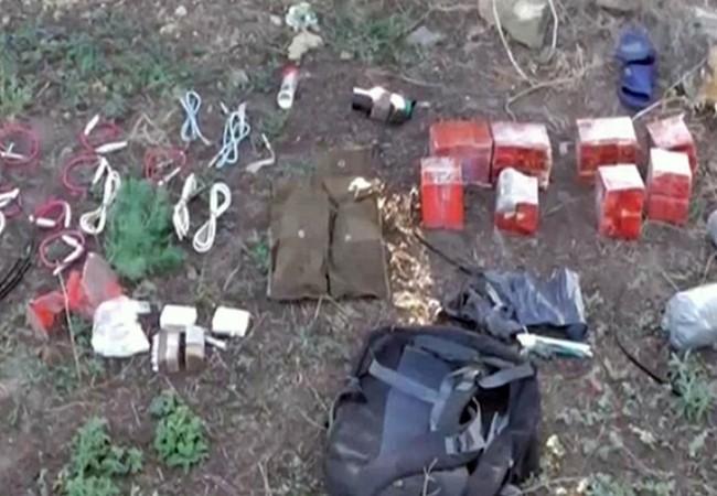 Thuốc nổ TNT thu được từ một biệt kích trên hiện trường ở Crimea