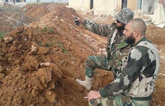 Các sĩ quan lực lượng Tigers ở Aleppo