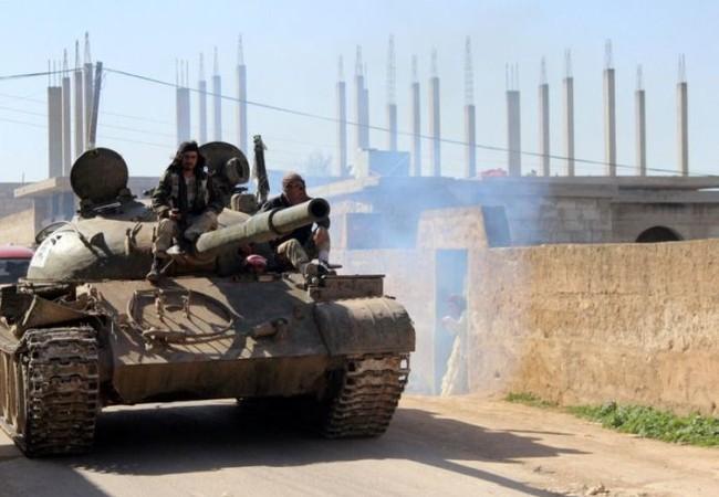 Xe tăng lực lượng Hồi giáo cực đoan tấn công ở Hama