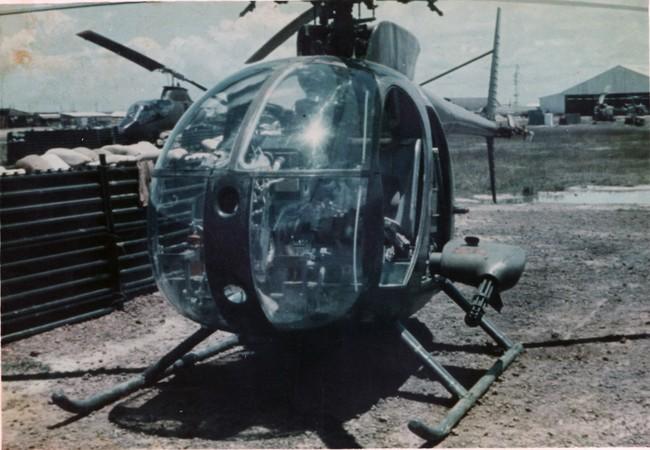 Trực thăng OH-6A phiên bản trinh sát hỏa lực, chỉ thị mục tiêu và tấn công mặt đất của quân đội Mỹ
