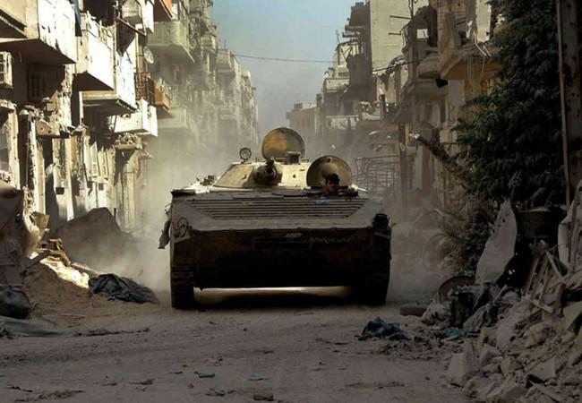 Xe thiết giáp quân đội Syria trên chiến trường Aleppo