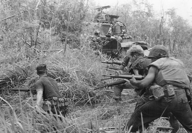 Lính thủy đánh bộ Mỹ trên chiến trường Việt Nam