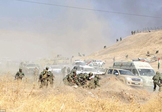 Lực lương dân quân người Kurd Peshmerga trên chiến trường thành phố Mosul