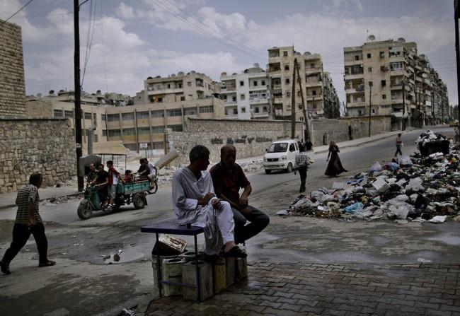 Quang cảnh khu vực phía đông thành phố Aleppo khi quân đội Syria tạm ngừng bắn
