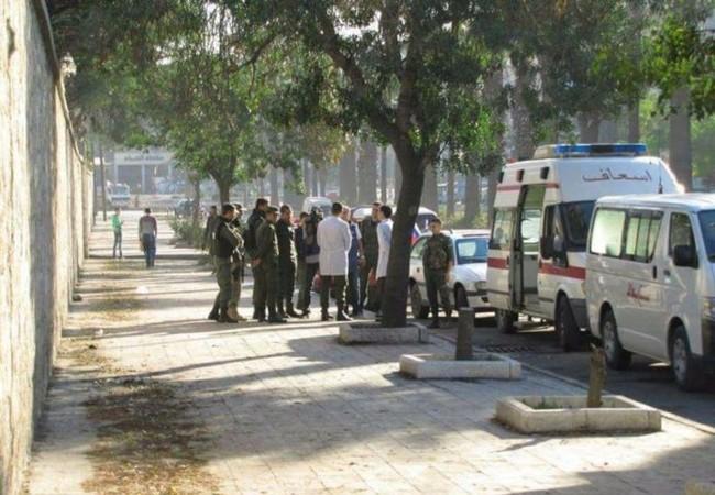 Các đơn vị cứu hộ, binh sĩ quân đội Syria trên hành lang nhân đạo ở Aleppo