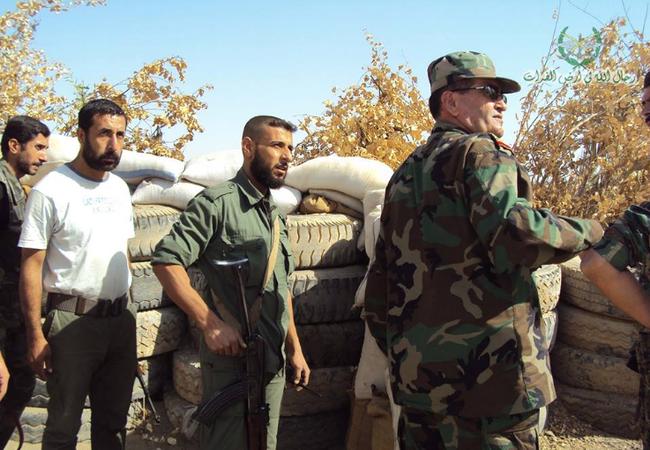 Sĩ quan và binh sĩ quân đội Syria sau trận chiến