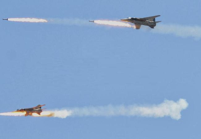 Không quân Syria không kích ở Syria