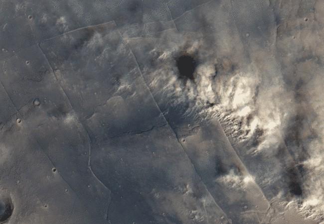 Hình ảnh cơn bão bụi trên bề mặt sao Hỏa