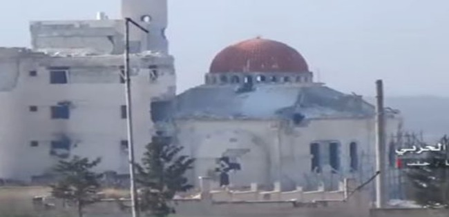 Một khu phố ngoại ô phía Tây Aleppo vừa giải phóng