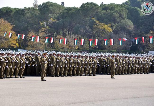 Lễ tốt nghiệp của hàng nghìn sĩ quan trẻ, được đào tạo theo chương trình mới của quân đội Syria