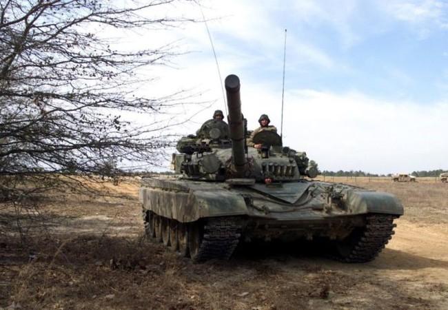Xe tăng quân đội Syria trên chiến trường Tây Ghouta