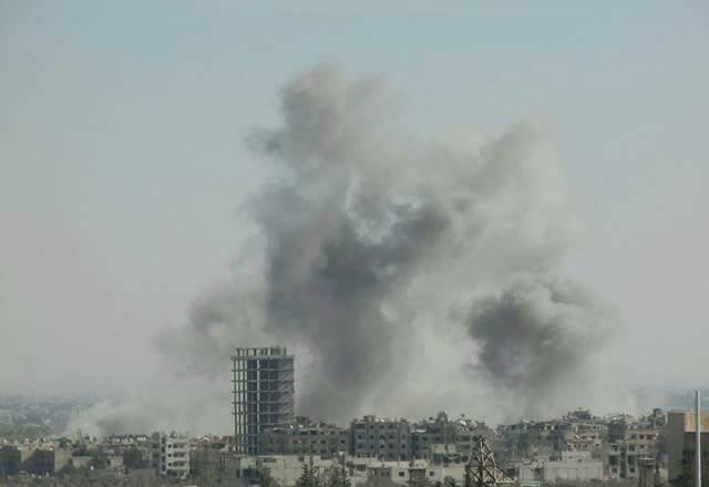 Không quân Syria ném bom dữ dội Aleppo yểm trợ cho quân đội tấn công