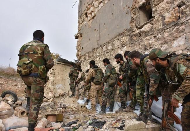 Binh sĩ Syria chuẩn bị tấn công