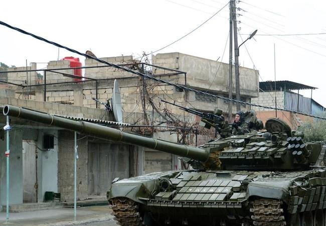 Xe tăng lực lượng Tigers trên đường phố Aleppo