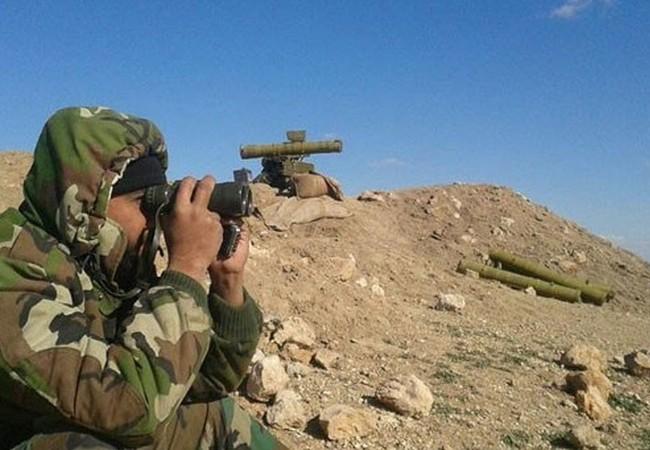 Binh sĩ quân đội Syria trên chiến trường Palmyra