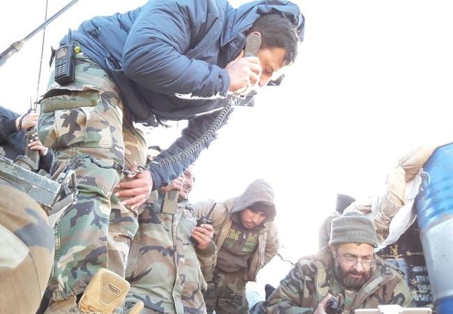 Binh sĩ lữ đoàn 42 thuộc sư đoàn bộ binh cơ giới số 4 trên chiến trường Damascus