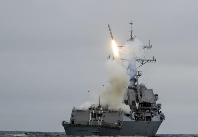 Tàu khu trục Mỹ phóng tên lửa hành trình Tomahawk