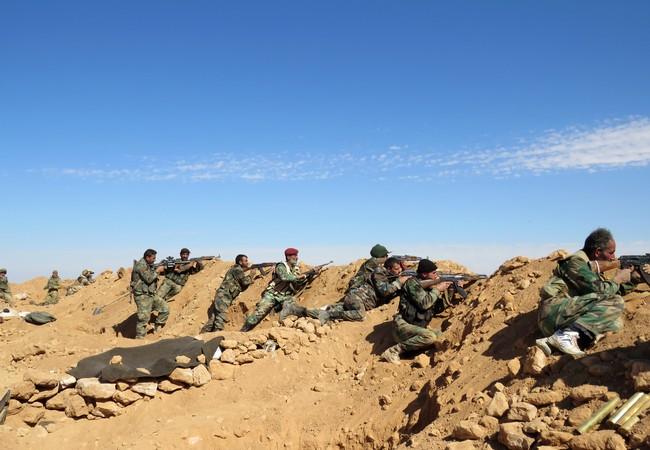 Quân đội Syria phòng thủ trên chiến trường Deir Ezzor