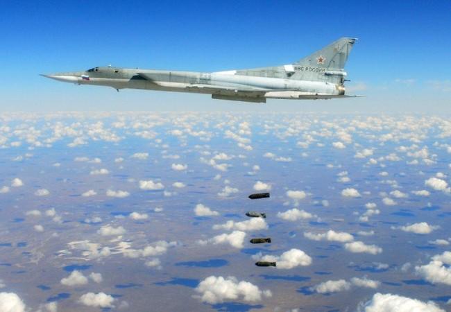 Máy bay ném bom chiến lược tầm xa Tu-22M3 không kích ở Syria