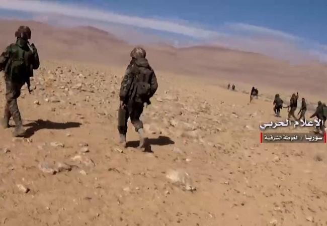Lực lượng Lá chắn Qalamout tiến công trên sa mạc Damasucs