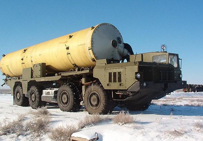 """Xe vận tải tên lửa và tên lửa  A-135 """"Amur"""""""