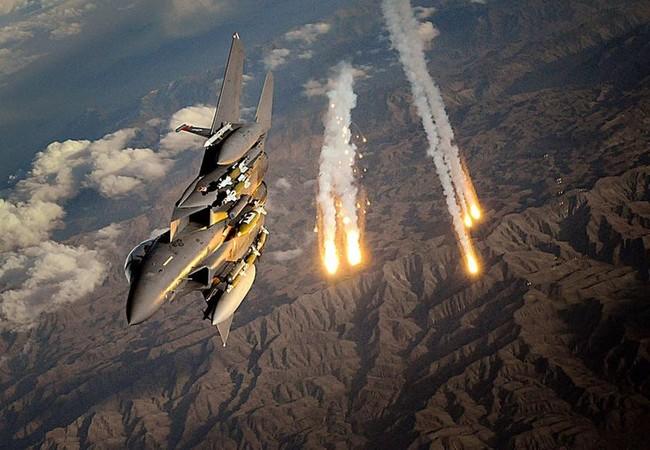 Không quân Mỹ không kích IS (ảnh minh họa)