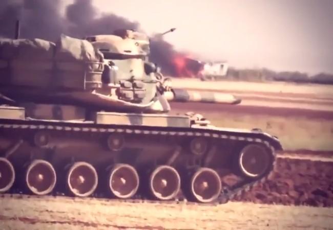 Xe tăng Thổ Nhĩ Kỳ trong cuộc tấn công vào thành phố Albab