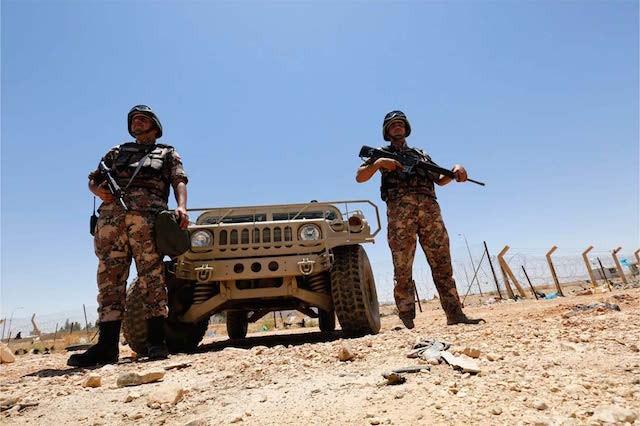 Binh sĩ Jordan trên tuyến biên giới với Syria