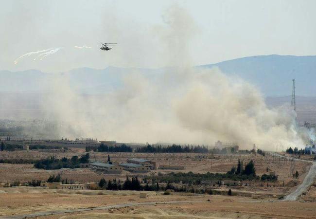 Trực thăng Ka-52 không quân Nga, yểm trợ quân đội Syria trong trận đánh ở khu mỏ khí gas Hayyan, Palmyra