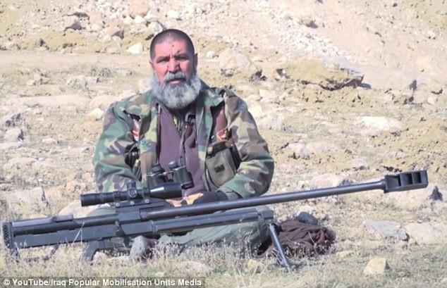 Xạ thủ bắn tỉa Abu Tahseen, 63 tuổi thề tiêu diệt hết các tay súng khủng bố IS trên quê hương mình